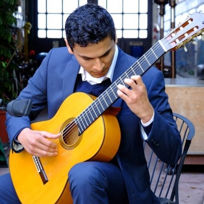 Teacher Alan: Guitar, Ukulele